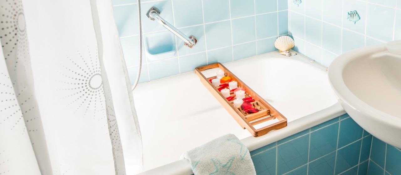 Entspannung im freundlich gestalteten Badezimmer